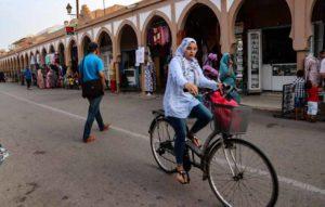 モロッコのイスラム教徒女性の服装