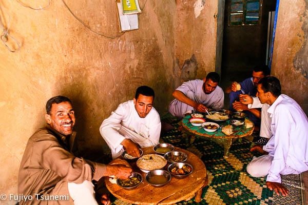 日本人が知らないイスラム(13)物乞いは「感謝される、社会になくてはならない存在」である。