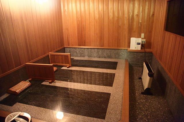 断食道場「やすらぎの里」伊豆・高原館の岩盤浴