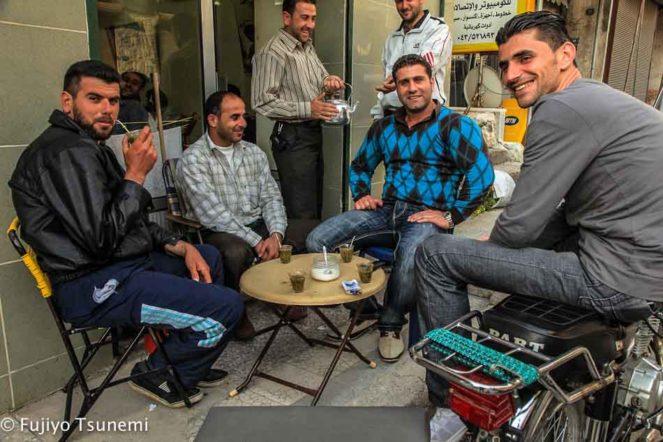シリアの男性たち