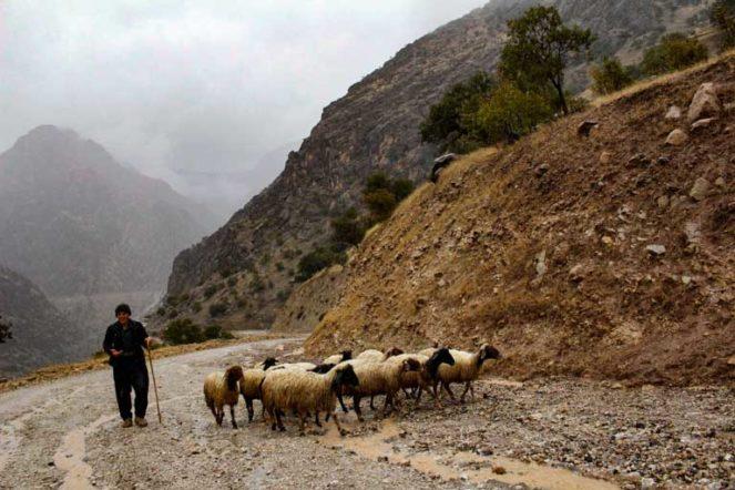 イランのクルディスタン州ホウラマン地方の村