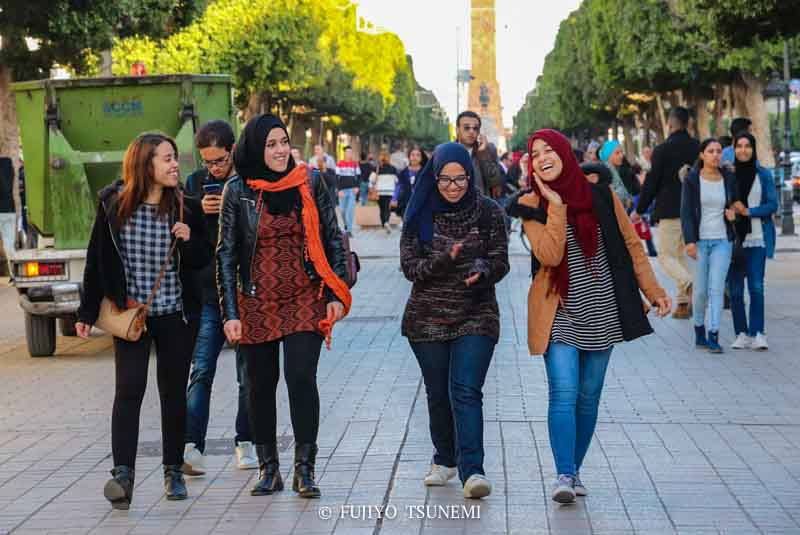 チュニジアの女性 チュニス