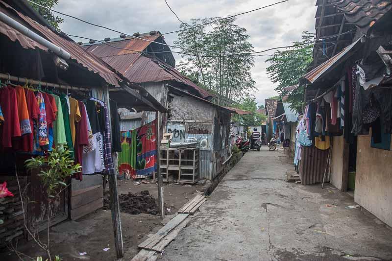スンバワ島スンバワブサールの魅力と歩き方<インドネシア>