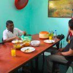 モルディブの家庭で手料理の作り方を教わりました。
