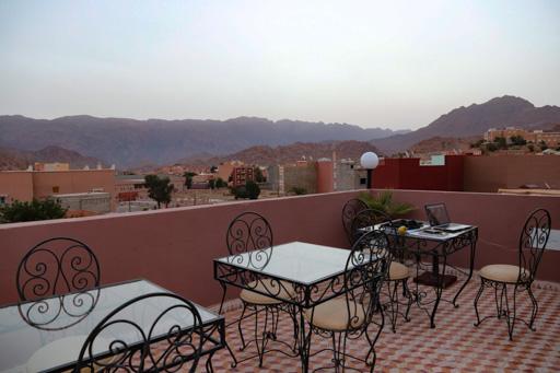 タフロウトのホテルの上からの風景