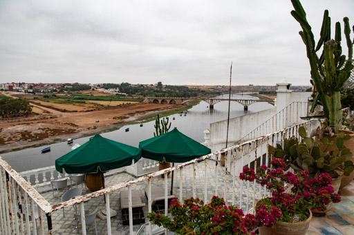 アズムールのホテルLoum Errebia