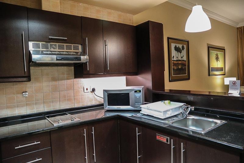 【アブダビのホテル】大満足のAl Manzel Hotel Apartments