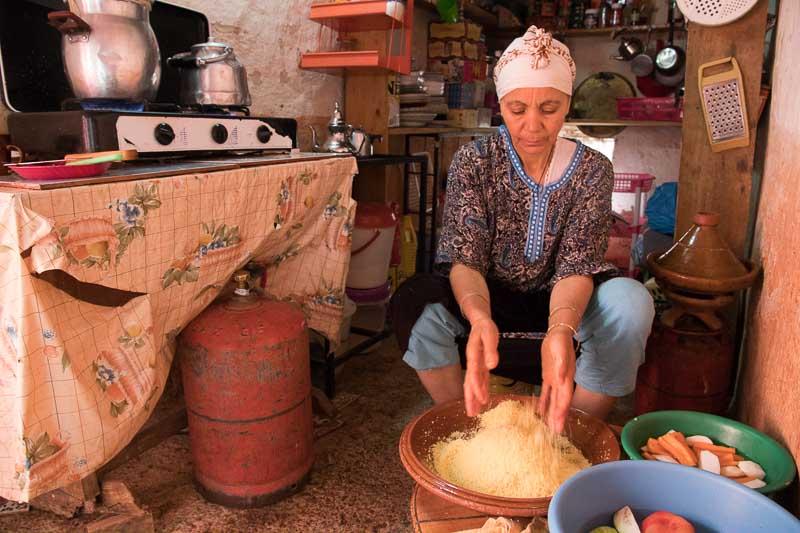 モロッコのクスクス:現地のお母さんが作るレシピ