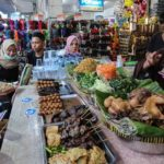 インドネシアでは野菜たっぷり「ペチェル」をいただきます!