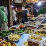 インドネシアの伝統屋台「アンクリンガン」は毎日通い続けても飽きません!