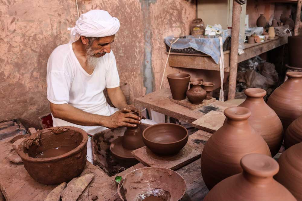 バハラ 陶器工場