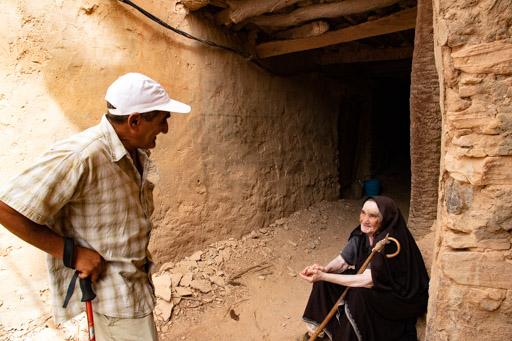 アイト・マンスールの廃村に住む老女