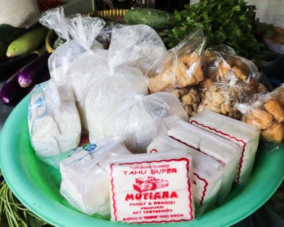 インドネシアのタフ(豆腐)