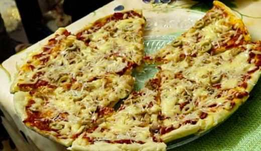 チュニジア家庭料理:ピザを生地から手作り!チュニジアマダムに教わるチュニジア・ピザ。