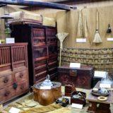 石垣島の八重山博物館で八重山の歴史や文化を学ぶ。洗骨、サバニ、ホラ貝のやかん‥