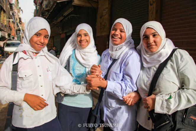 イスラム女性 ヒジャブ ブルカ